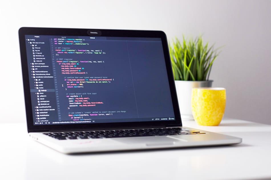 dezvoltare web, web design, cod,